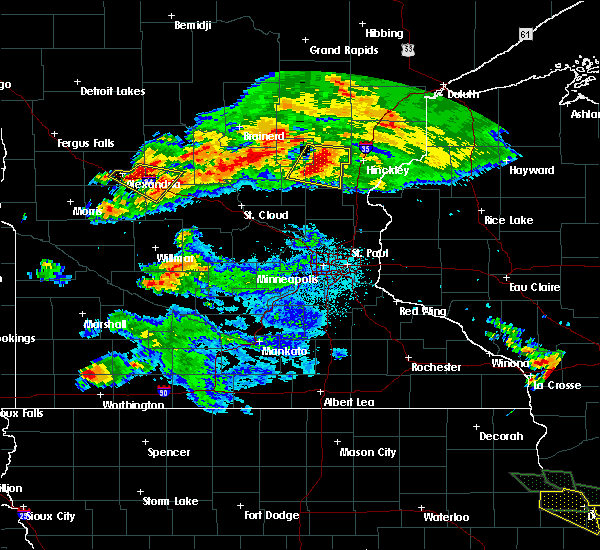 Radar Image for Severe Thunderstorms near West Union, MN at 7/12/2017 1:01 AM CDT