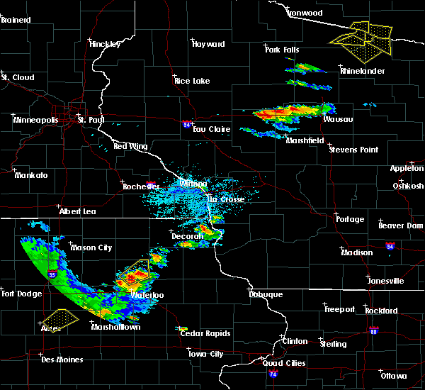 Radar Image for Severe Thunderstorms near Janesville, IA at 7/12/2017 5:28 PM CDT
