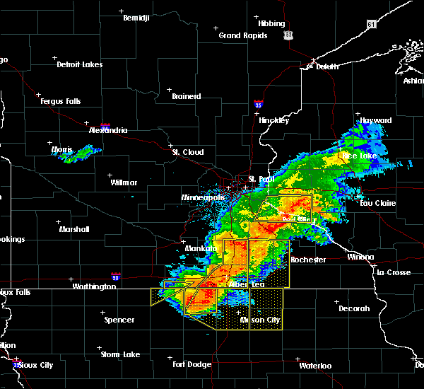 Radar Image for Severe Thunderstorms near Lake Mills, IA at 7/19/2017 4:29 PM CDT