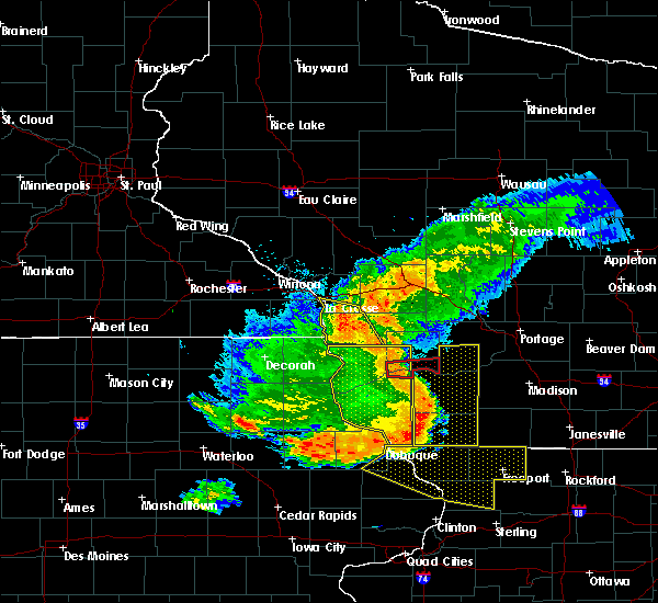 Radar Image for Severe Thunderstorms near Sextonville, WI at 7/19/2017 7:04 PM CDT