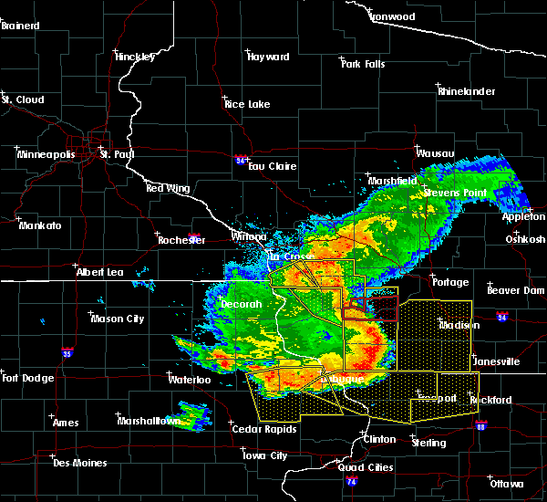 Radar Image for Severe Thunderstorms near Sextonville, WI at 7/19/2017 7:24 PM CDT
