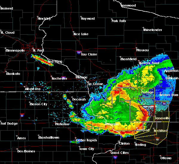 Radar Image for Severe Thunderstorms near Blue River, WI at 7/19/2017 8:04 PM CDT