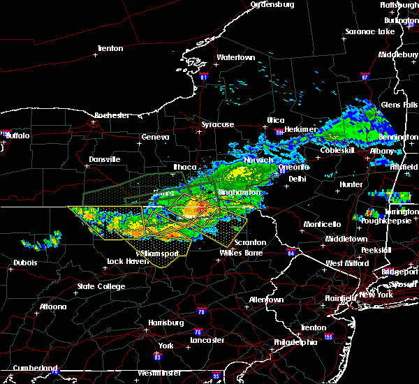 Radar Image for Severe Thunderstorms near Clarks Summit, PA at 7/20/2017 4:33 PM EDT