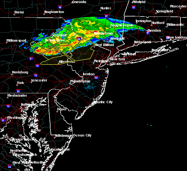 Radar Image for Severe Thunderstorms near Mountain Lake, NJ at 7/20/2017 6:28 PM EDT