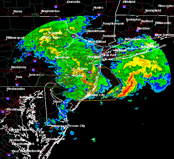 Radar Image for Severe Thunderstorms near Browns Mills, NJ at 7/24/2017 4:20 AM EDT