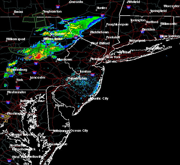 Radar Image for Severe Thunderstorms near Hometown, PA at 7/24/2017 5:25 PM EDT
