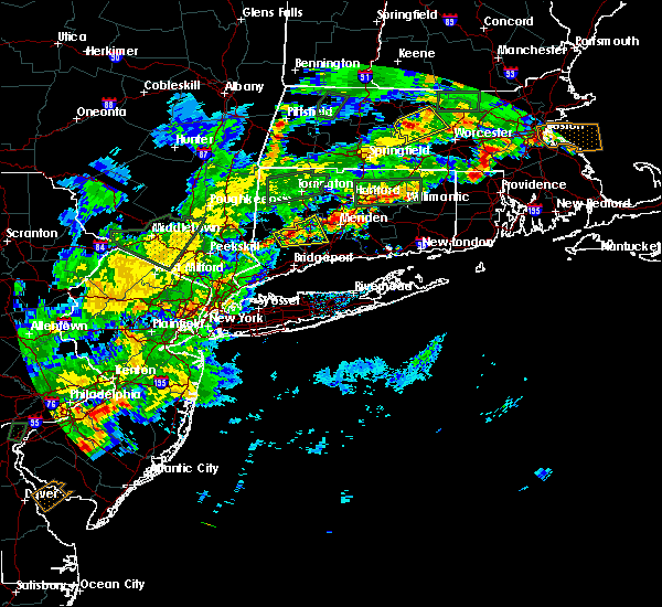 Radar Image for Severe Thunderstorms near Waterbury, CT at 8/2/2017 4:55 PM EDT