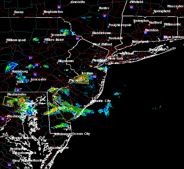 Radar Image for Severe Thunderstorms near Wrightstown, NJ at 8/3/2017 5:45 PM EDT