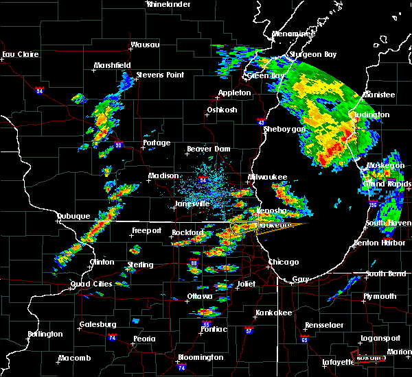 Radar Image for Severe Thunderstorms near Round Lake, IL at 8/3/2017 5:31 PM CDT