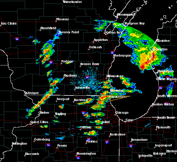 Radar Image for Severe Thunderstorms near Round Lake, IL at 8/3/2017 5:44 PM CDT