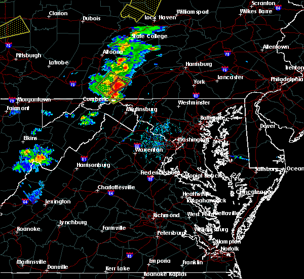 Radar Image for Severe Thunderstorms near Hancock, MD at 8/4/2017 6:07 PM EDT