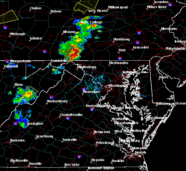 Radar Image for Severe Thunderstorms near Hancock, MD at 8/4/2017 6:17 PM EDT