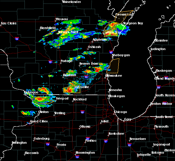 Radar Image for Severe Thunderstorms near Janesville, WI at 8/10/2017 3:23 PM CDT