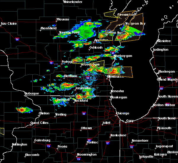 Radar Image for Severe Thunderstorms near Waupun, WI at 8/10/2017 4:13 PM CDT