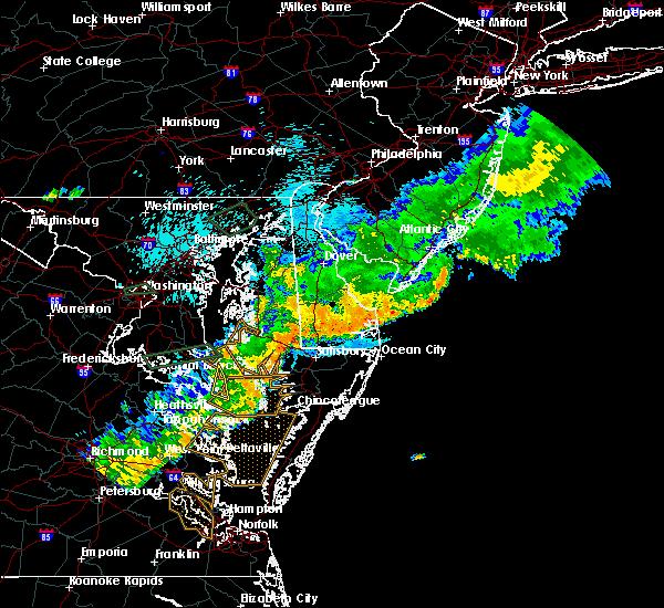 Radar Image for Severe Thunderstorms near Lexington Park, MD at 8/18/2017 9:11 PM EDT