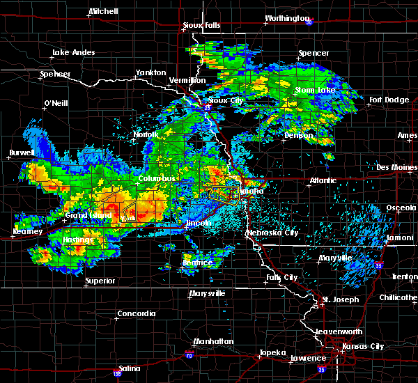 Radar Image for Severe Thunderstorms near Ralston, NE at 8/20/2017 12:21 AM CDT