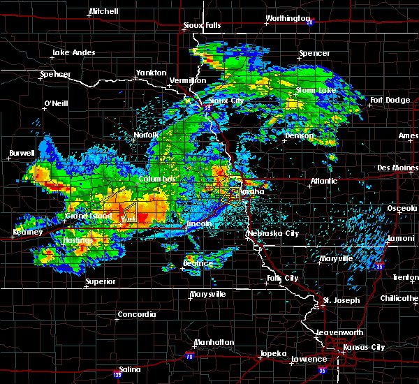 Radar Image for Severe Thunderstorms near Ralston, NE at 8/20/2017 12:27 AM CDT