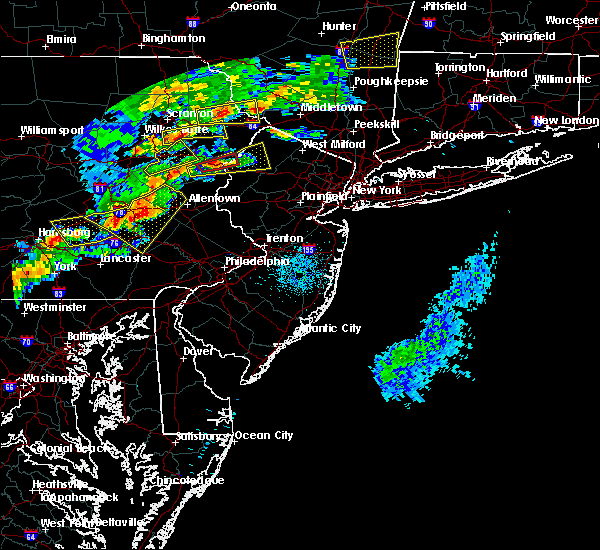 Radar Image for Severe Thunderstorms near Stroudsburg, PA at 8/22/2017 8:37 PM EDT