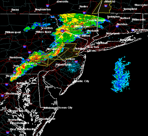 Radar Image for Severe Thunderstorms near Kenvil, NJ at 8/22/2017 9:45 PM EDT
