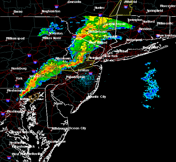 Radar Image for Severe Thunderstorms near Kenvil, NJ at 8/22/2017 10:06 PM EDT