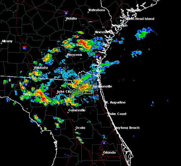 Radar Image for Severe Thunderstorms near Baldwin, FL at 8/24/2017 6:04 PM EDT