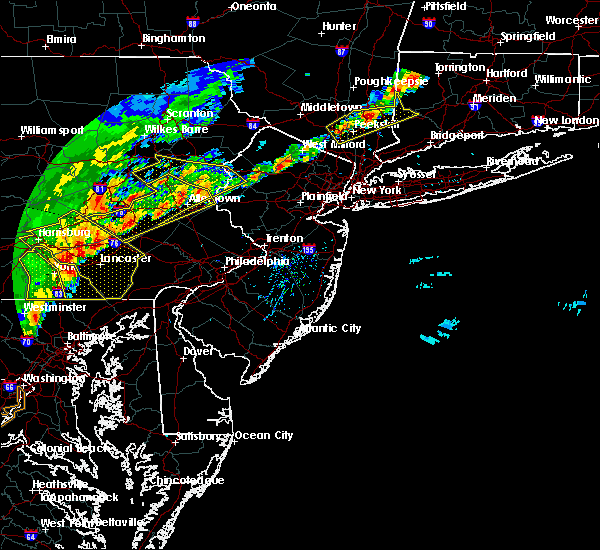 Radar Image for Severe Thunderstorms near Mountain Lake, NJ at 9/5/2017 4:58 PM EDT