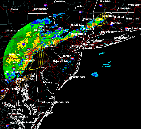 Radar Image for Severe Thunderstorms near Mountain Lake, NJ at 9/5/2017 5:36 PM EDT
