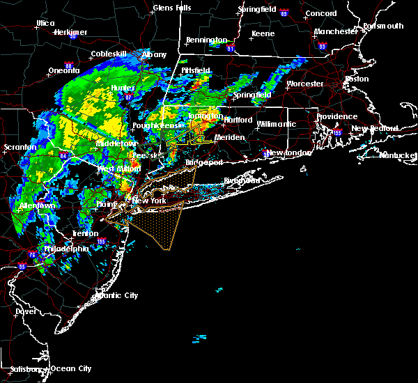 Radar Image for Severe Thunderstorms near Waterbury, CT at 9/5/2017 8:12 PM EDT