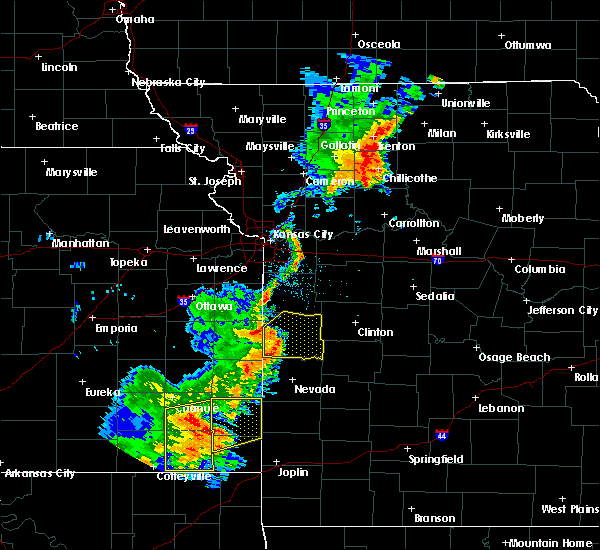 Radar Image for Severe Thunderstorms near Adrian, MO at 9/16/2017 5:28 PM CDT