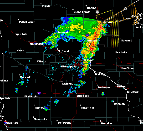 Radar Image for Severe Thunderstorms near North Branch, MN at 9/20/2017 3:25 AM CDT