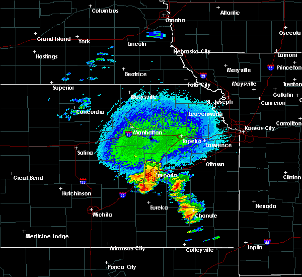 Radar Image for Severe Thunderstorms near Emporia, KS at 10/9/2017 4:37 PM CDT