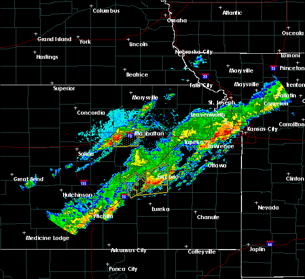 Radar Image for Severe Thunderstorms near Emporia, KS at 10/14/2017 4:39 PM CDT