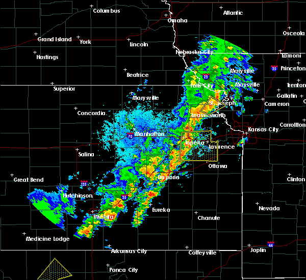 Radar Image for Severe Thunderstorms near Atchison, KS at 10/21/2017 5:23 PM CDT
