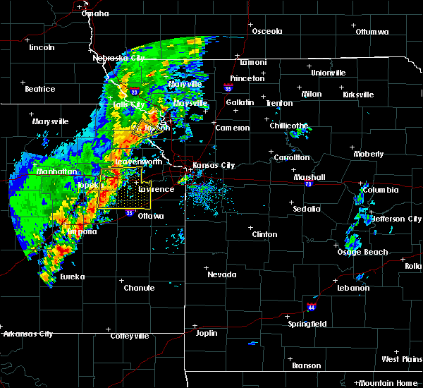 Radar Image for Severe Thunderstorms near Overbrook, KS at 10/21/2017 5:32 PM CDT