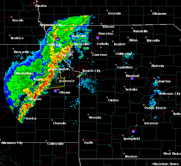 Radar Image for Severe Thunderstorms near Overbrook, KS at 10/21/2017 5:36 PM CDT