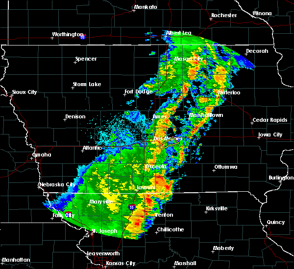 Radar Image for Severe Thunderstorms near Runnells, IA at 10/21/2017 7:59 PM CDT