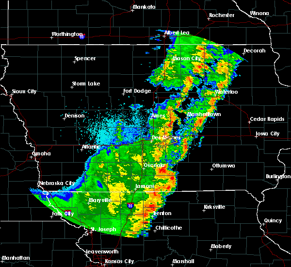 Radar Image for Severe Thunderstorms near Prairie City, IA at 10/21/2017 8:12 PM CDT