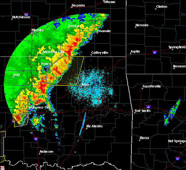 Radar Image for Severe Thunderstorms near Wynona, OK at 10/21/2017 8:33 PM CDT