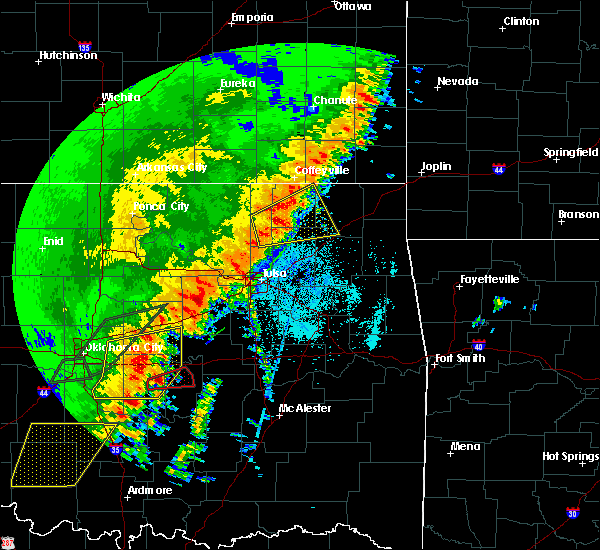 Radar Image for Severe Thunderstorms near White Oak, OK at 10/21/2017 9:44 PM CDT