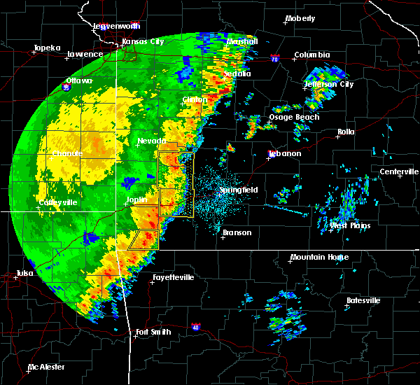 Radar Image for Severe Thunderstorms near Pineville, MO at 10/21/2017 11:58 PM CDT