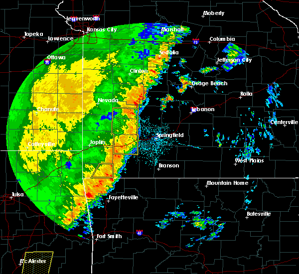 Radar Image for Severe Thunderstorms near Pineville, MO at 10/22/2017 12:10 AM CDT