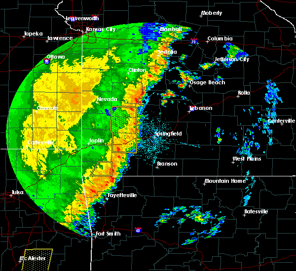 Radar Image for Severe Thunderstorms near Aurora, MO at 10/22/2017 12:22 AM CDT