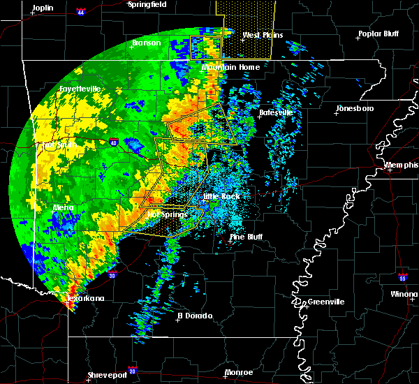 Radar Image for Severe Thunderstorms near Salem, AR at 10/22/2017 3:24 AM CDT