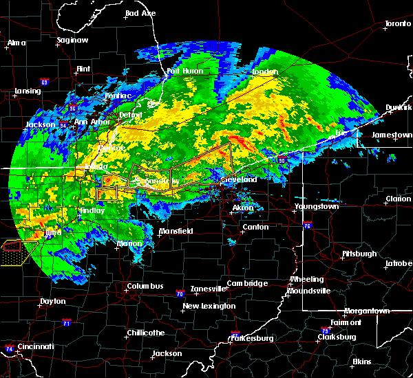 Radar Image for Severe Thunderstorms near Port Clinton, OH at 11/5/2017 4:40 PM EDT