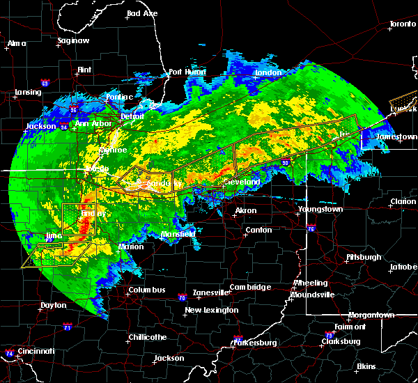 Radar Image for Severe Thunderstorms near New Riegel, OH at 11/5/2017 5:23 PM EDT