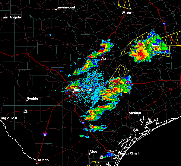 Radar Image for Severe Thunderstorms near Gonzales, TX at 3/18/2018 6:24 PM CDT