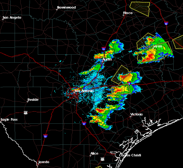 Radar Image for Severe Thunderstorms near Gonzales, TX at 3/18/2018 6:42 PM CDT