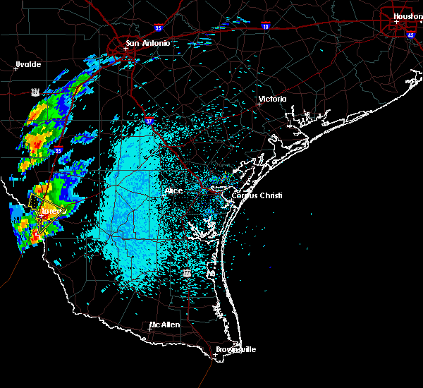 Radar Image for Severe Thunderstorms near Laredo Ranchettes, TX at 3/27/2018 10:30 PM CDT