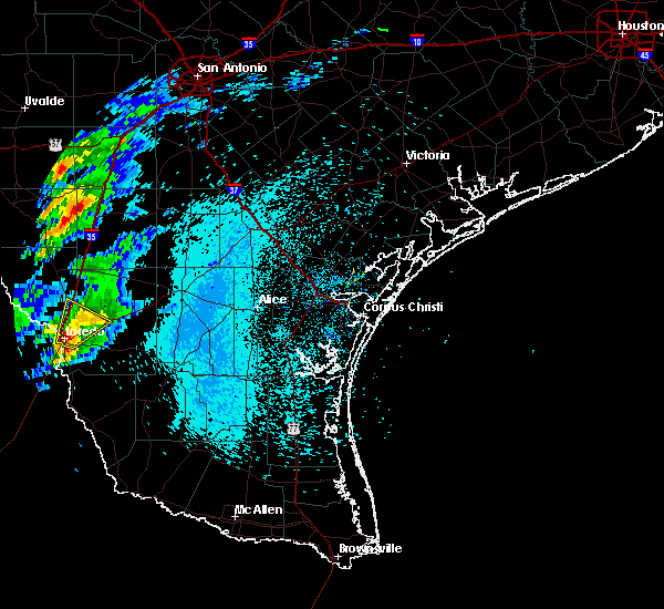 Radar Image for Severe Thunderstorms near Laredo Ranchettes, TX at 3/27/2018 10:58 PM CDT