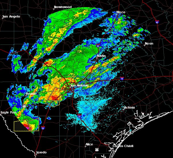 Radar Image for Severe Thunderstorms near Castroville, TX at 3/28/2018 12:40 AM CDT